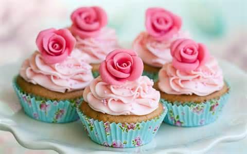 Lardner Park Cupcakes Catering Arrangement
