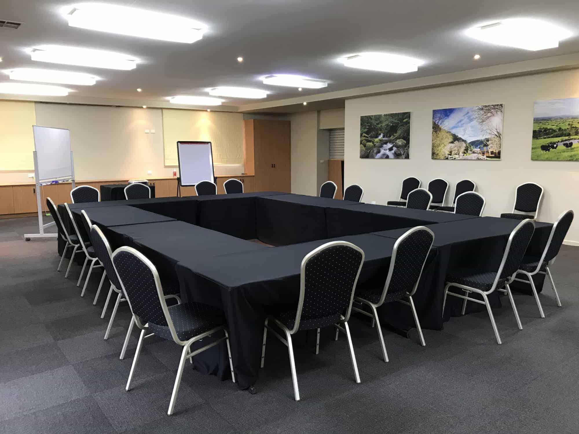 Lardner_Park-Board-Room
